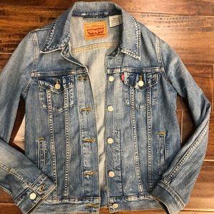 Levi's jean jacket small